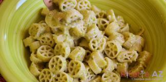 pasta al pesto di zucchine ricetta
